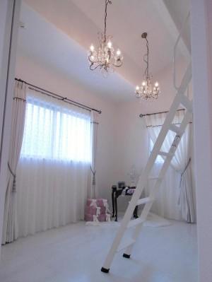 W様邸シャンデリアの部屋HP用